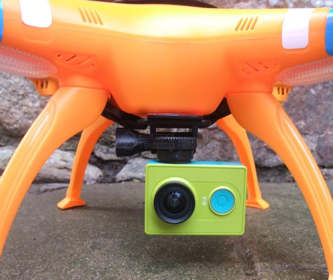 Drone Syma X8C dengan Xiaomi Yi